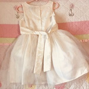 Dresses - Zunie Special Occasion Dress. Off white. Size 5.